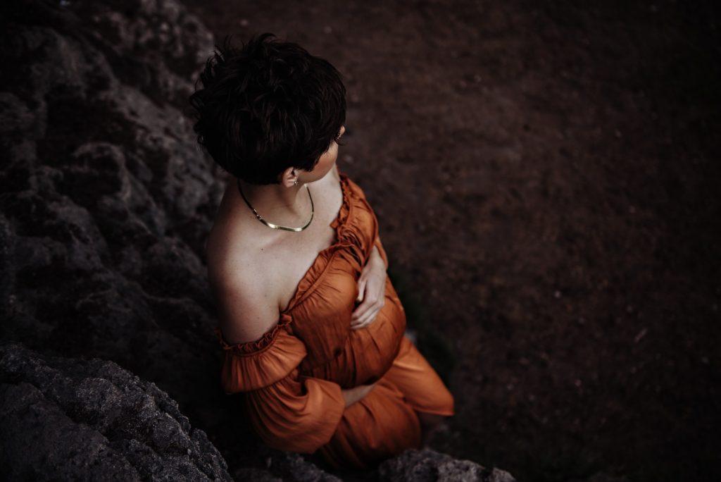 maternity photographer airdrie alberta - brianna payne photography