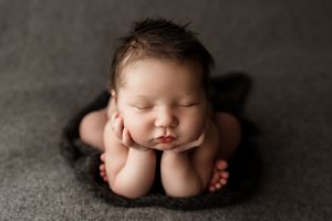 newborn photographer in calgary alberta - brianna payne photography
