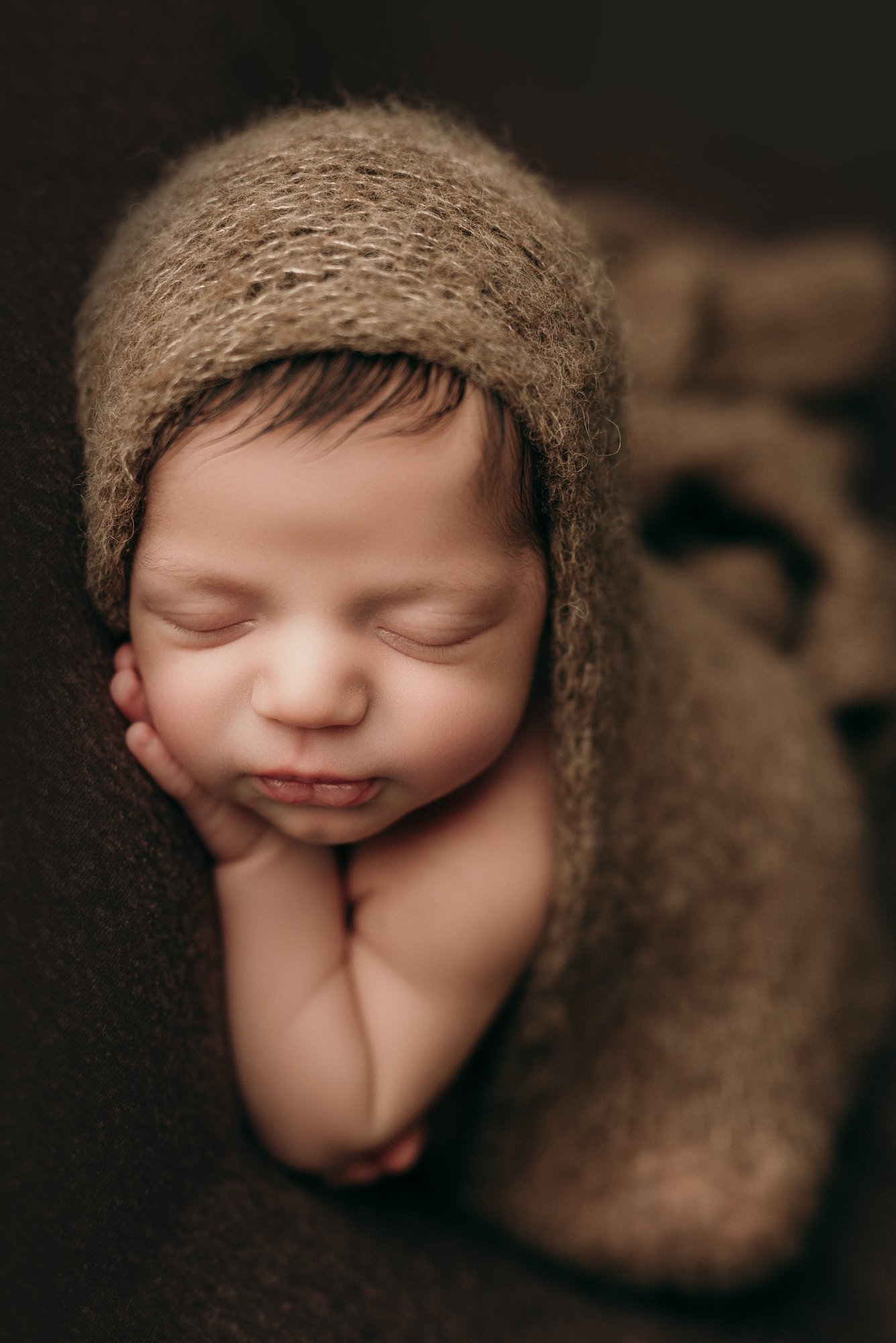 calgary professional newborn photographer
